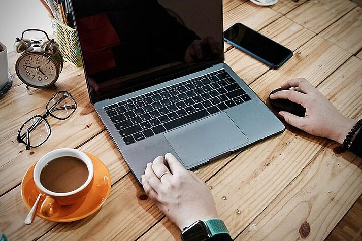 4 Strategies for Successful Sales While Remote Working