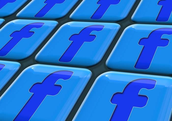 Should_We_Pay_For_Facebook_Ads.jpg