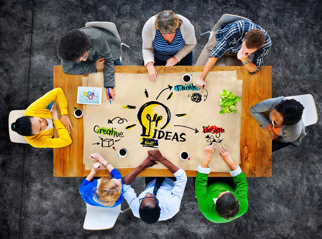 traditional_vs_contemporary_marketing_strategies.jpg
